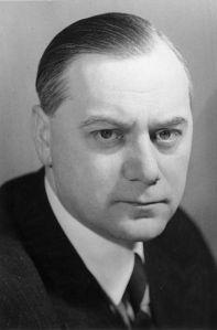 Alfred Rosenberg, lederen av «Det Nordiske Selskap» som i dag har sitt hovedsete i Lübeck. Handelsbyen som i sin tid var hovedsete for det nordiske Hansaforbund.