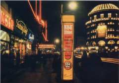 Verdensbyen Berlin lyste opp om natten før trusselen om Churchills terrorbombing av byens sivile ble en realitet.