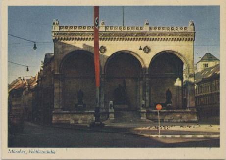 Feldherrnhalle i München hvor de 16 SA-heltene ble myrdet under sin fredelig marsj fredag den 9. november 1923.