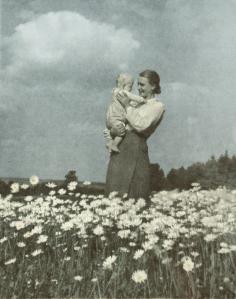 Hvordan overlever de tyske kvinner nazi-tyranniet. Hva med å spørre dem selv?