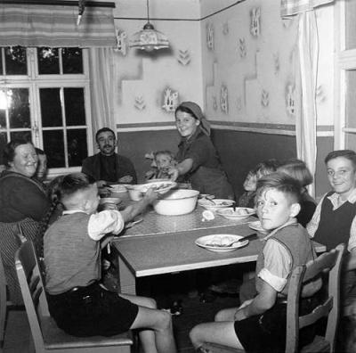 Heime hos en typisk bonde familie i det nye Tyskland.