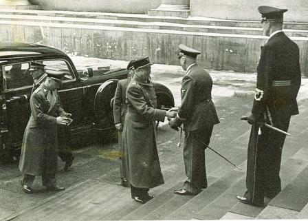 Reichsminister_ dr._Lammers_mmottar_quisling