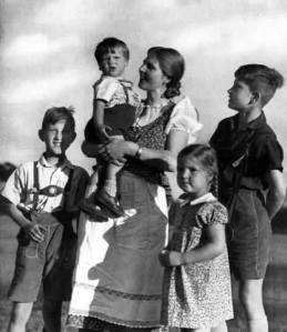 En firebarnsmor i det nye Tyskland.