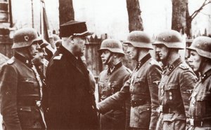 Føreren hilser på de norske patriotene ved Leningradfronten den 17 mai 1942.