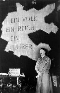«Et hvert folk har rett til, ut fra egne forutsetninger, å skape sin egen skjebne.» Adolf Hitler.